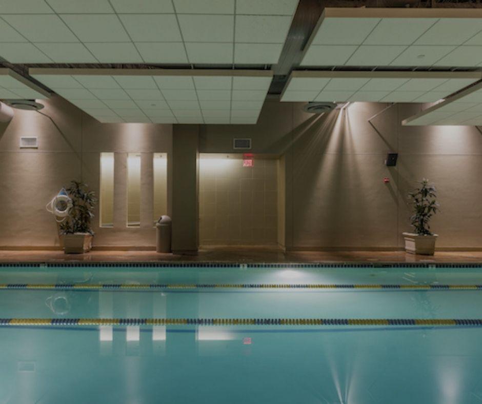 Gold's Gym Pool
